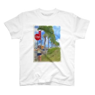 爆買い日本人とグアム T-shirts