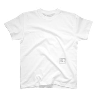 寝てる T-shirts