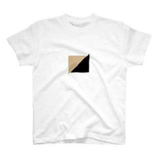 ベージュ×ブラック T-shirts