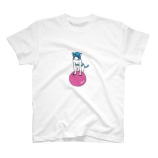 balance ball C T-shirts