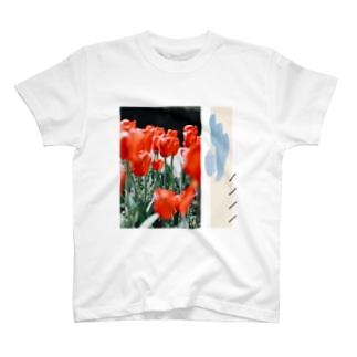 赤チューリップ T-shirts