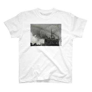 ノートルダム大聖堂火災 T-shirts