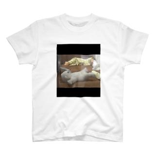 寝返りうてない子熊Tシャツ T-shirts
