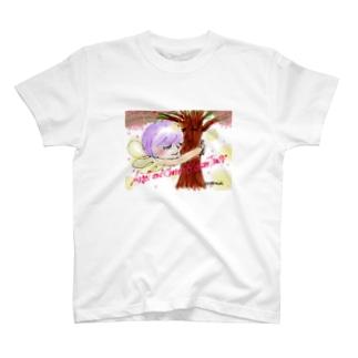 Ang22 エンジェルと桜の木 T-shirts