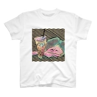 タピオカに恋girl T-shirts