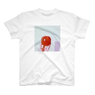 りんごと私 T-shirts