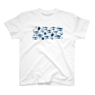 サメとエイと影 T-shirts