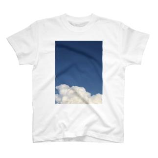 ☁️ T-shirts