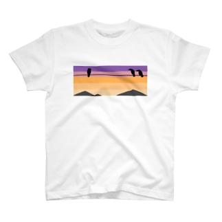 夕焼けにカラス T-shirts