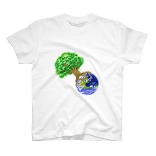 世界樹地球 T-shirts