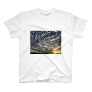 夕空 T-shirts