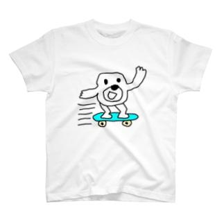 スケボーヒモックマ T-shirts