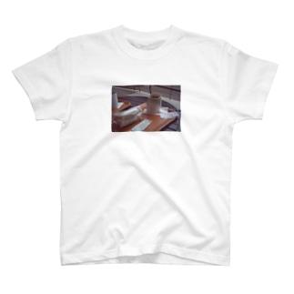 ココアとサンドイッチ T-shirts