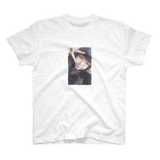 ふわうさ🐇🎀 T-shirts