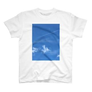 飛行機雲 T-shirts