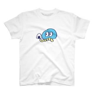 おにぎりを持つくらげ T-shirts