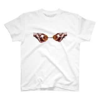 鎖骨の下、腹の上、世界の中心。 T-shirts