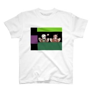馬と馬 T-shirts