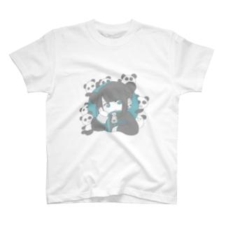 パンダと女の子 T-shirts