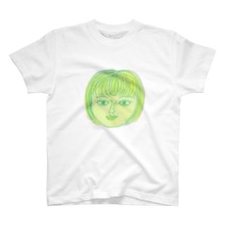 港町の少女 T-shirts