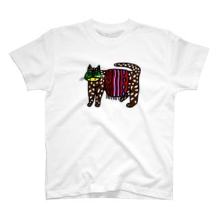 着飾る猫 T-shirts