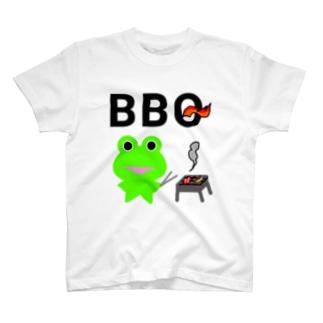 BBQを楽しむカエルくん T-shirts