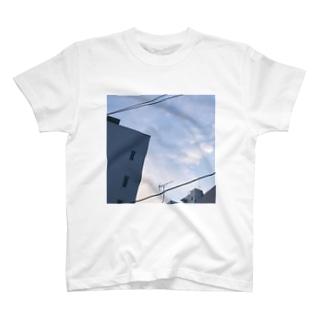 OPUおへそ矢印T T-shirts