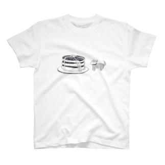 犬とホットケーキ Tシャツ