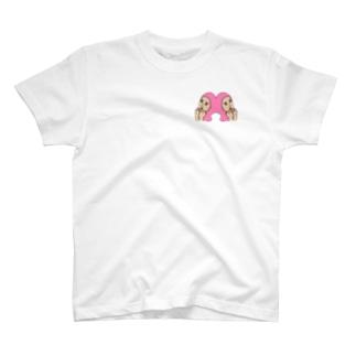 ピンクの髪の女 T-shirts