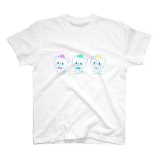 カラフルおやまくま3びき T-shirts
