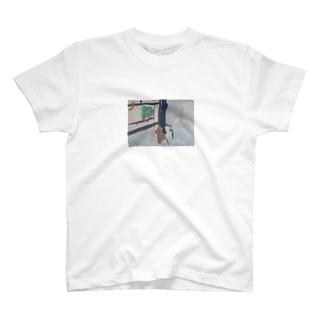 ばなな ねらう ねこ T-shirts