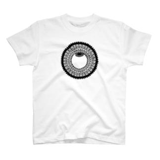 33の目 闇 T-shirts