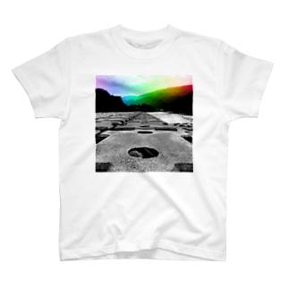 非現実的空間【徳島県内某所-02】 T-shirts
