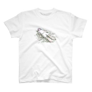 草の感触 T-shirts