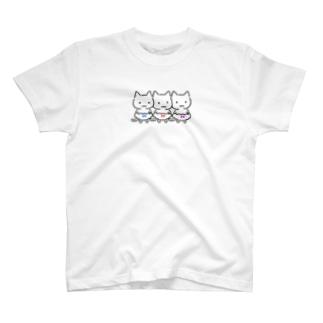 三色ぱんつ T-shirts