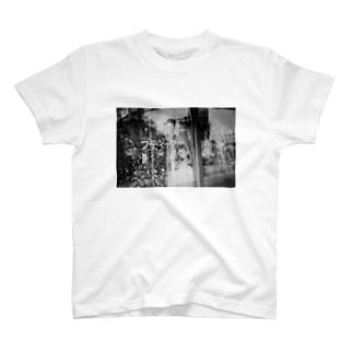 ブティックのTシャツ T-shirts
