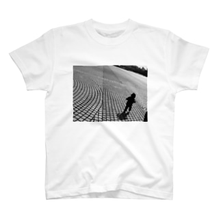 Walk on the earth T-shirts