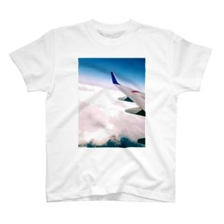 飛行機と空 T-shirts