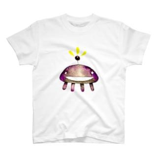 宇宙生命体B T-shirts