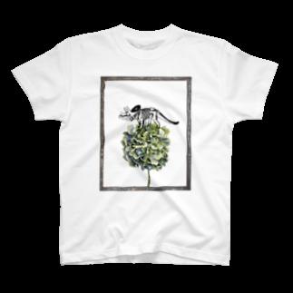 tottoのトリケラトプス骨格と紫陽花 T-shirts