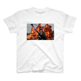 爆発 T-shirts
