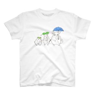 雨の日の小動物 T-shirts
