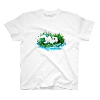 コウノあすミの草むら T-shirts