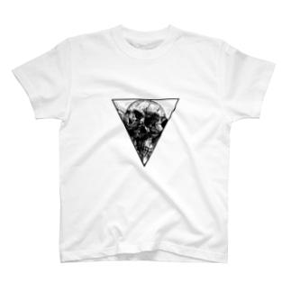 三種一骨 T-shirts