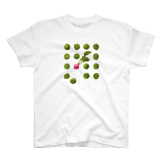 芽キャベツとラディッシュ T-shirts