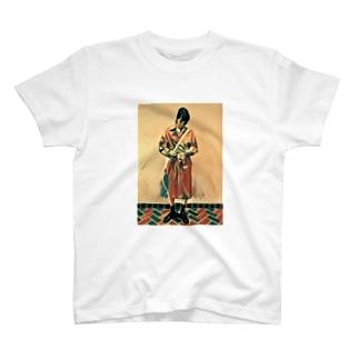 美女 T-shirts