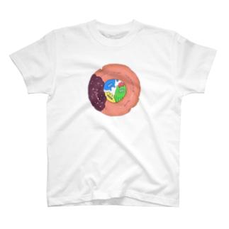 ドーナツの穴から覗いてる T-shirts
