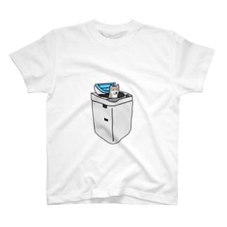 ワンコ・イン・ランドリー T-shirts