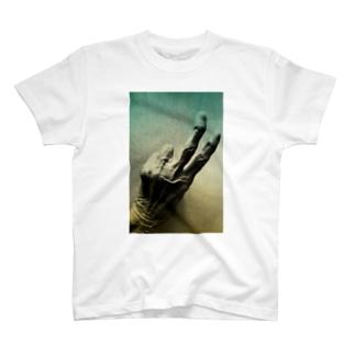 老人の手40 T-shirts