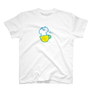 カップで移動するくま T-shirts